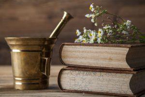 hierbas y viejos libros de medicina